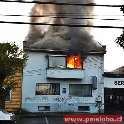 Osorno Incendio afecta a oficinas de automotora