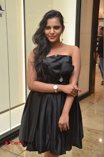 Actress Manasa Himavarsha Pictures in Black Short Dress at The Great Hydrerabad Life Style EXPO II  0042.JPG