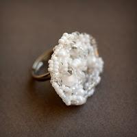 купить белое коктейльное кольцо крупное женское кольцо интернет магазин