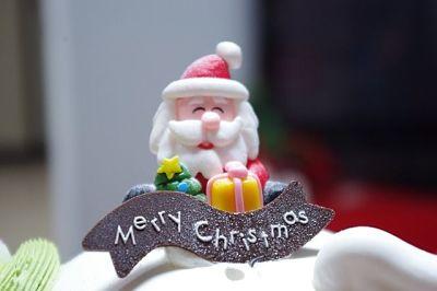 Receta navideña. Papá Noel de azúcar con cinta de chocolate