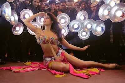 jacqueline-fernandez-looks-hot-in-ek-do-teen-teaser