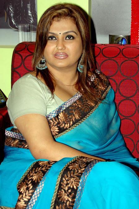 Actress Sona Heiden Aunty Latest Hot Photos Collection -6896