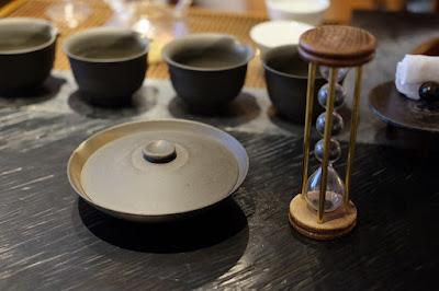 東京の日本茶専門店 櫻井焙茶研究所 玉露用の急須と砂時計