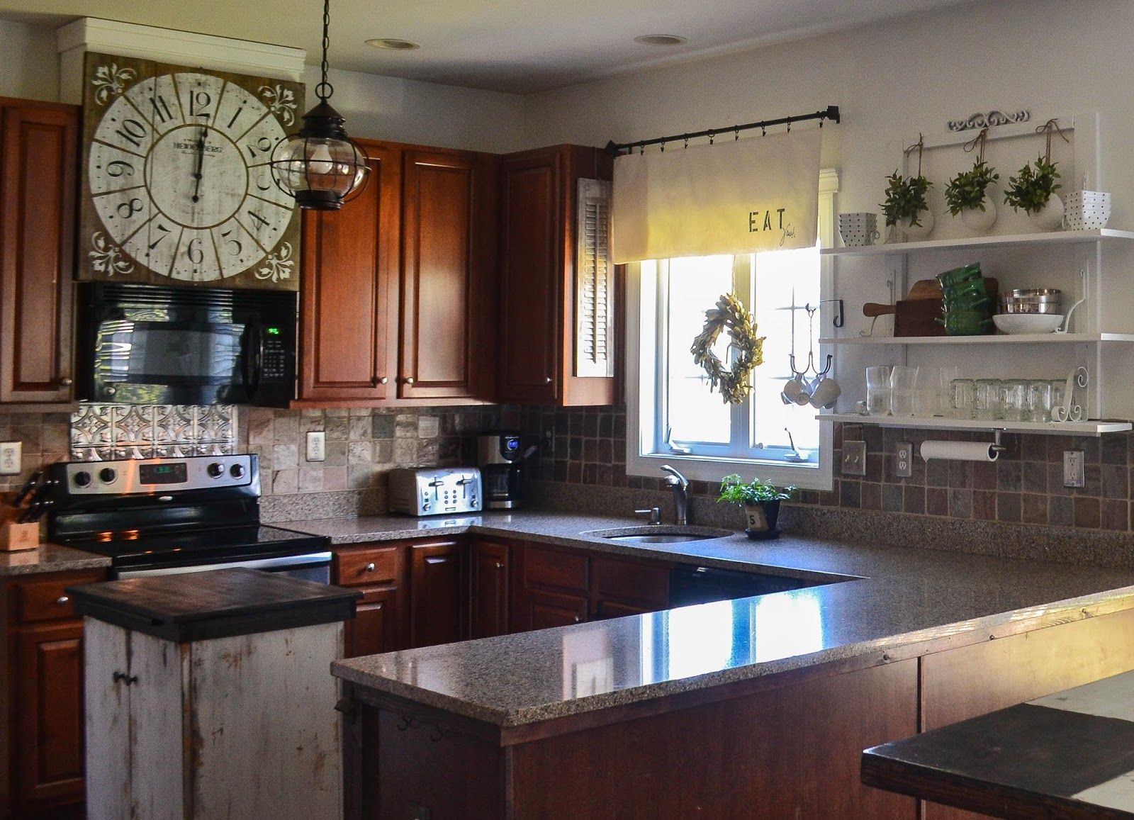Down to Earth Style: { Eat Fresh } Kitchen Valance