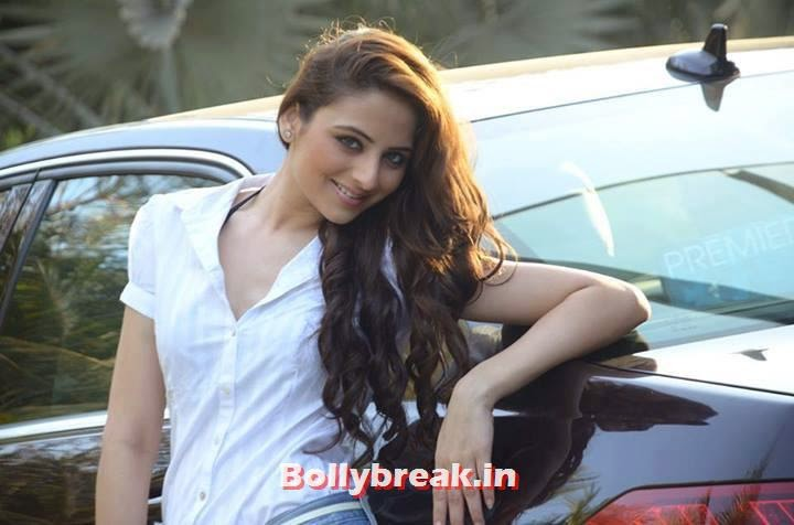 Zoya Afroz with her car, Zoya Afroz Real Life Pics