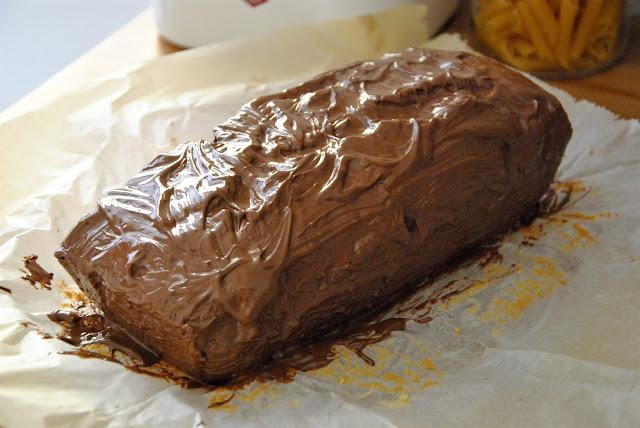 Ananas-Marzipan-Kuchen mit Schokoladenglasur