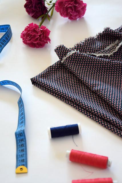 materiały odzieżowe, tkaniny, dzianiny, podział materiałów, materiałoznawstwo, z czego szyć, jak dobrać materiał, szycie, na maszynie, wiskoza