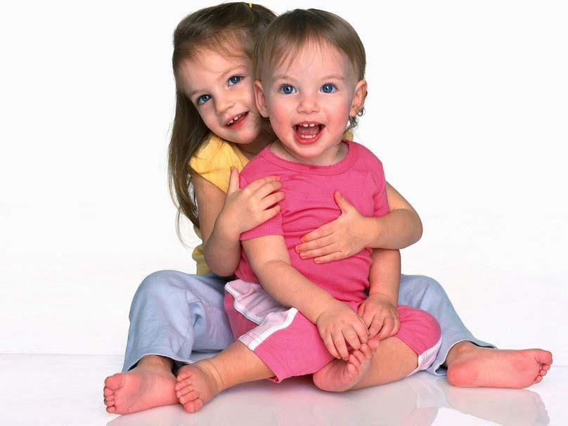 sevimli-bebek-ile-güzel-gülümseme