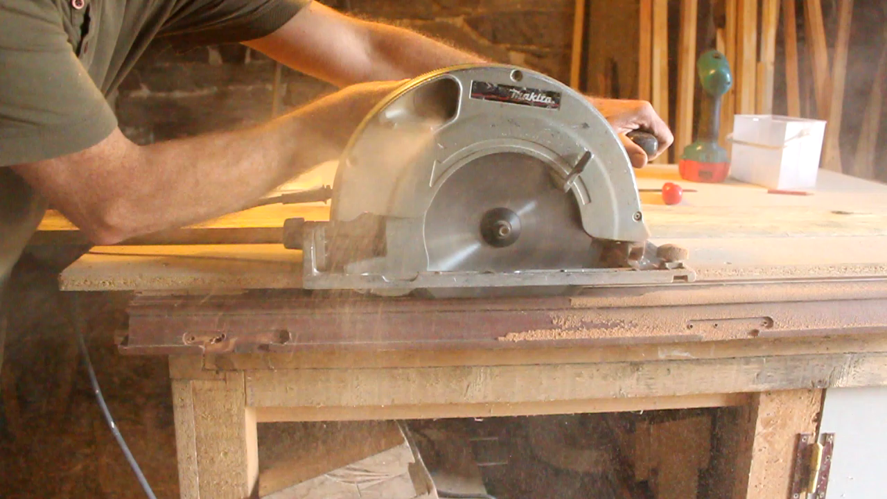 Circular saw  - recuperated double-glazed window