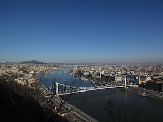 DIY costura: El gorro y la bufanda que me abrigaron en Budapest-Vistas desde el Monte Gellert 3