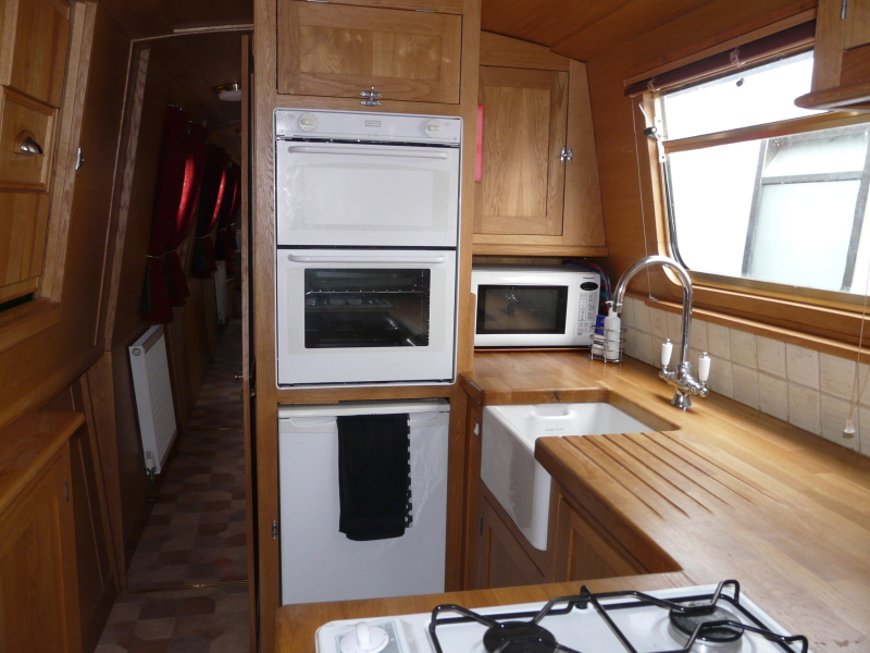 Free To Venture..: Narrow-boat Interior And Exterior Ideas