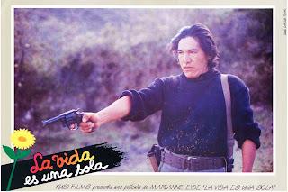 """Cena do filme """"La Vida Es Una Sóla"""""""