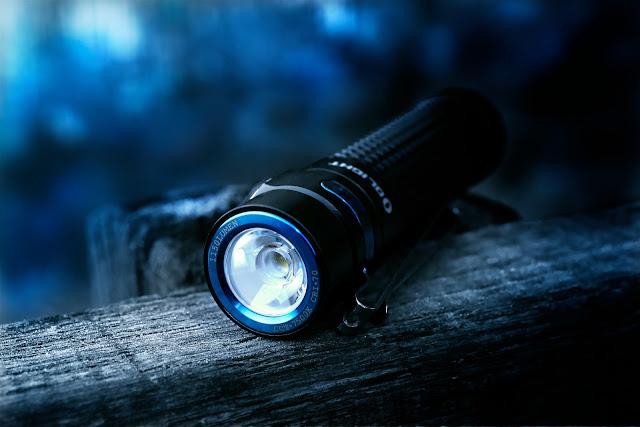 Reflektor w Olight S2R BatonII wykorzystuje technologię TIR