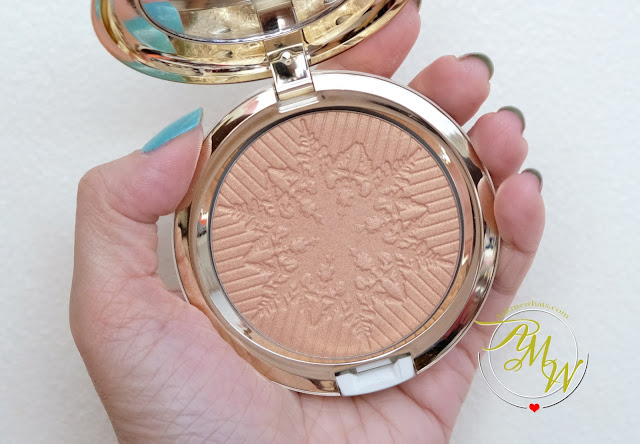 a photo of MAC OPALESCENT HIGHLIGHTER Here Comes Joy review by AskMeWhats Nikki Tiu