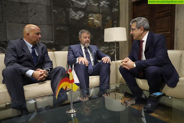 Rodríguez explora con el embajador de Alemania nuevas oportunidades de inversión de empresas germanas en Canarias