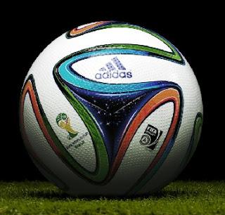 Bola sepakbola standar internasonal FIFA