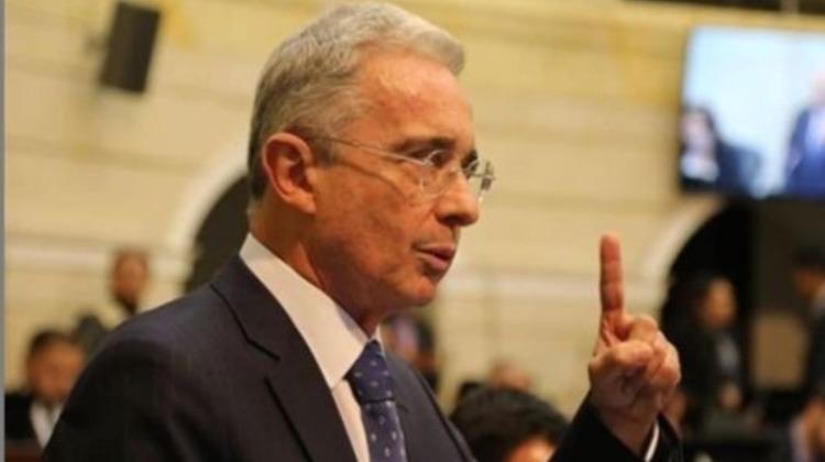 #ParoNacional | Aprueban el polémico proyecto de Uribe que reduce la jornada laboral