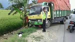 Kecelakaan Maut, Truk Lindas Pemotor Di Jalan Raya Godong - Semarang
