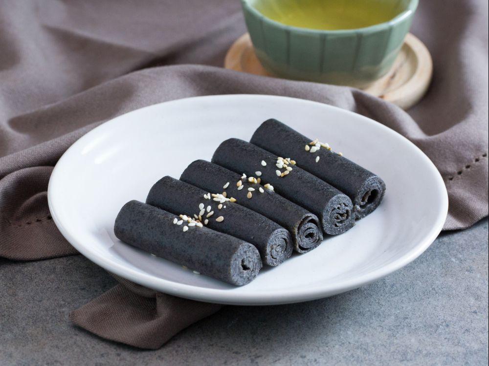 Bánh mè đen cuộn