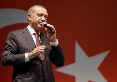 """Με το άνοιγμα των αγορών, στα """"τάρταρα"""" η τουρκική λίρα – Σε ισχύ περιοριστικά μέτρα στην τουρκική οικονομία, μπήκαν όρια σε swap συναλλαγές"""