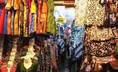 Belanja Batik dan Kerajinan Tradisional Murah Meriah di Pasar Beringharjo