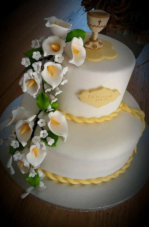 Zuccherosamente torta con le calle per la comunione di for Decorazione torte prima comunione