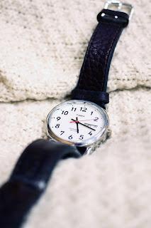 Детали. Ботинки Thorogood, мужские наручные часы Timex и другие вещи входящие в базовый мужской гардероб