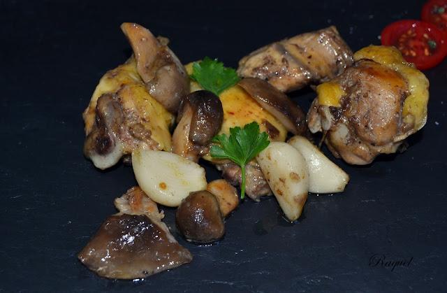 Pollo Rustido Con Ajos Y  Llanegues