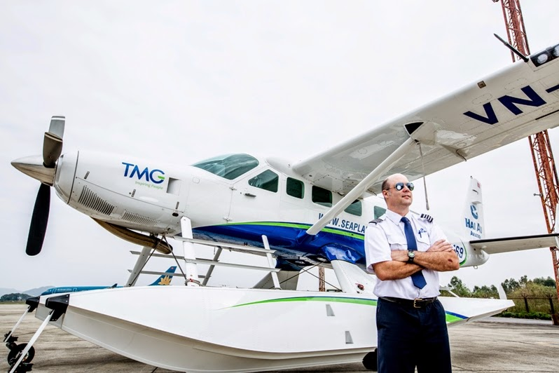 Hai Au Aviation offers daily scheduled seaplane adventures to Ha Noi – Ha Long Bay and HCMC – Phan Thiet. Both routes include scenic sights of the spectacular natural beauty of Halong Bay and Mui Ne, as well as the exhilaration of landing on water.