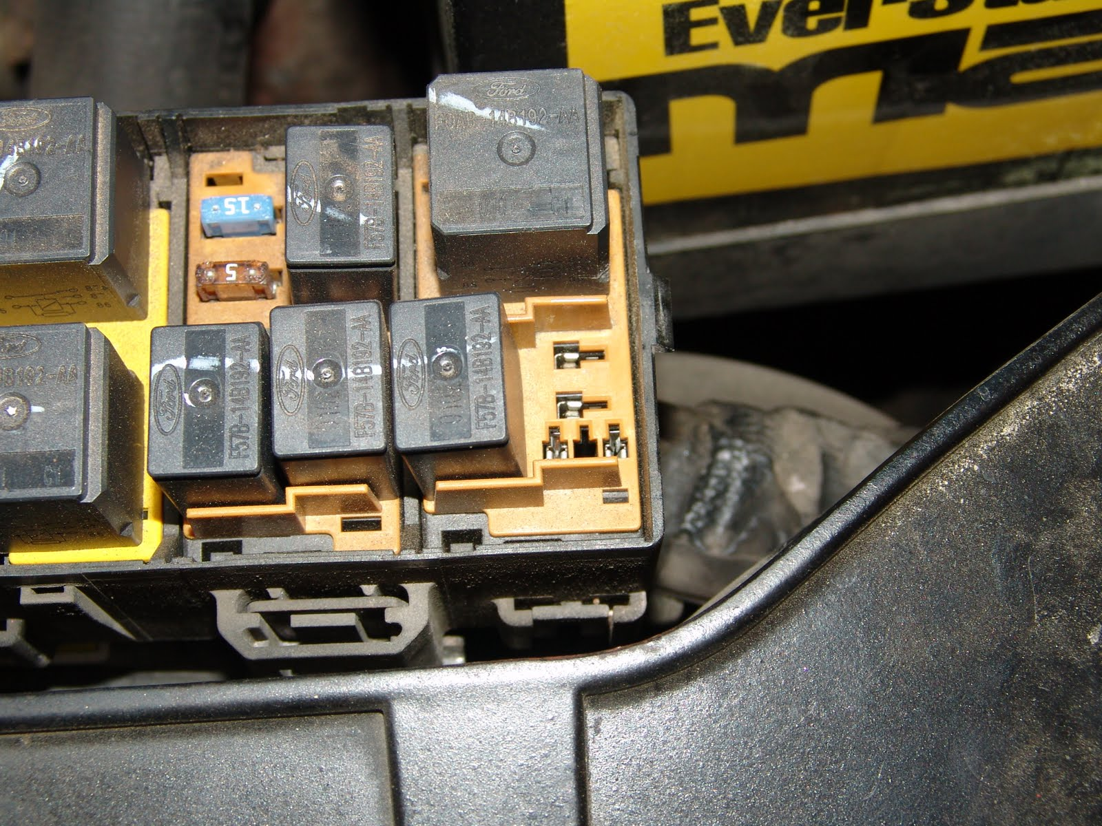 2001 Ford Taurus Relay Box Diagram