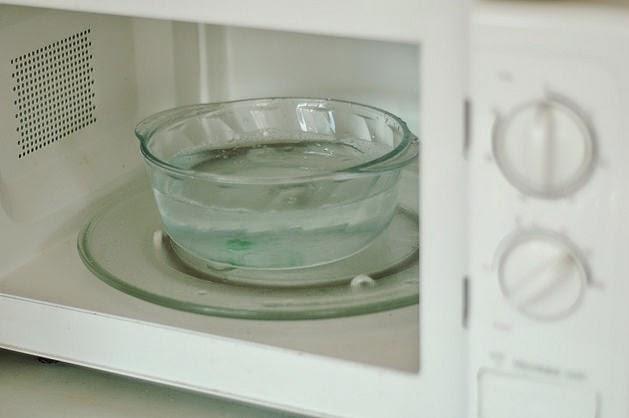 limpeza com bicarbonato de sódio.