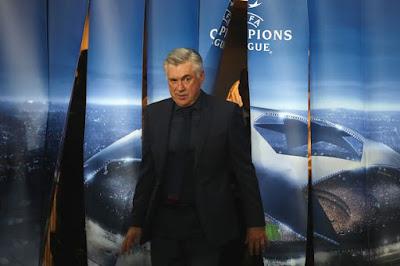 """Lộ lý do lạ lùng khiến Ancelotti bị học trò """"đâm sau lưng"""""""