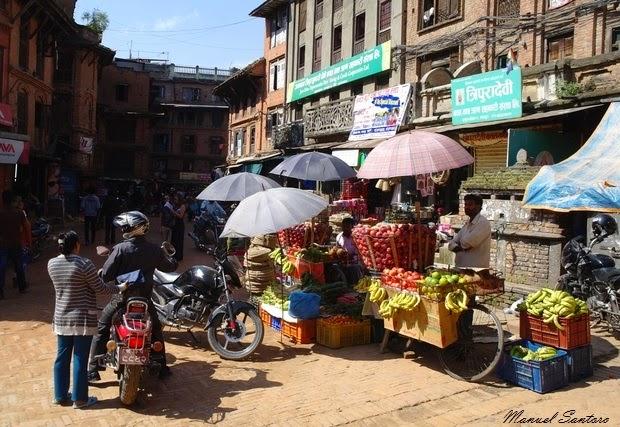 Bhaktapur, mercato nei pressi del Tempio di Bhimsen