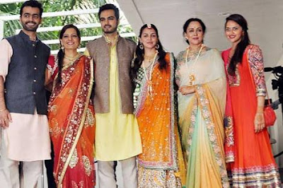 Esha-Deol-Wedding-mehendi