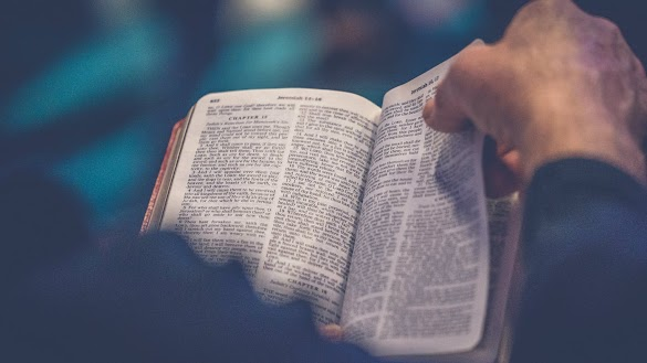 Contoh Kerangka Khotbah Kristen yang Benar dan Baik menurut Alkitab