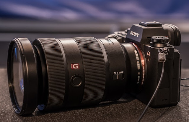 is a novel flagship mirrorless photographic boob tube camera amongst a  Sony Alpha A9 Review - The Best DSLR Camera?!