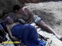 seks plajda izle