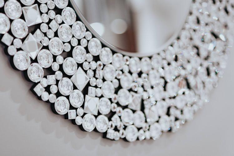 Lustro z kryształami