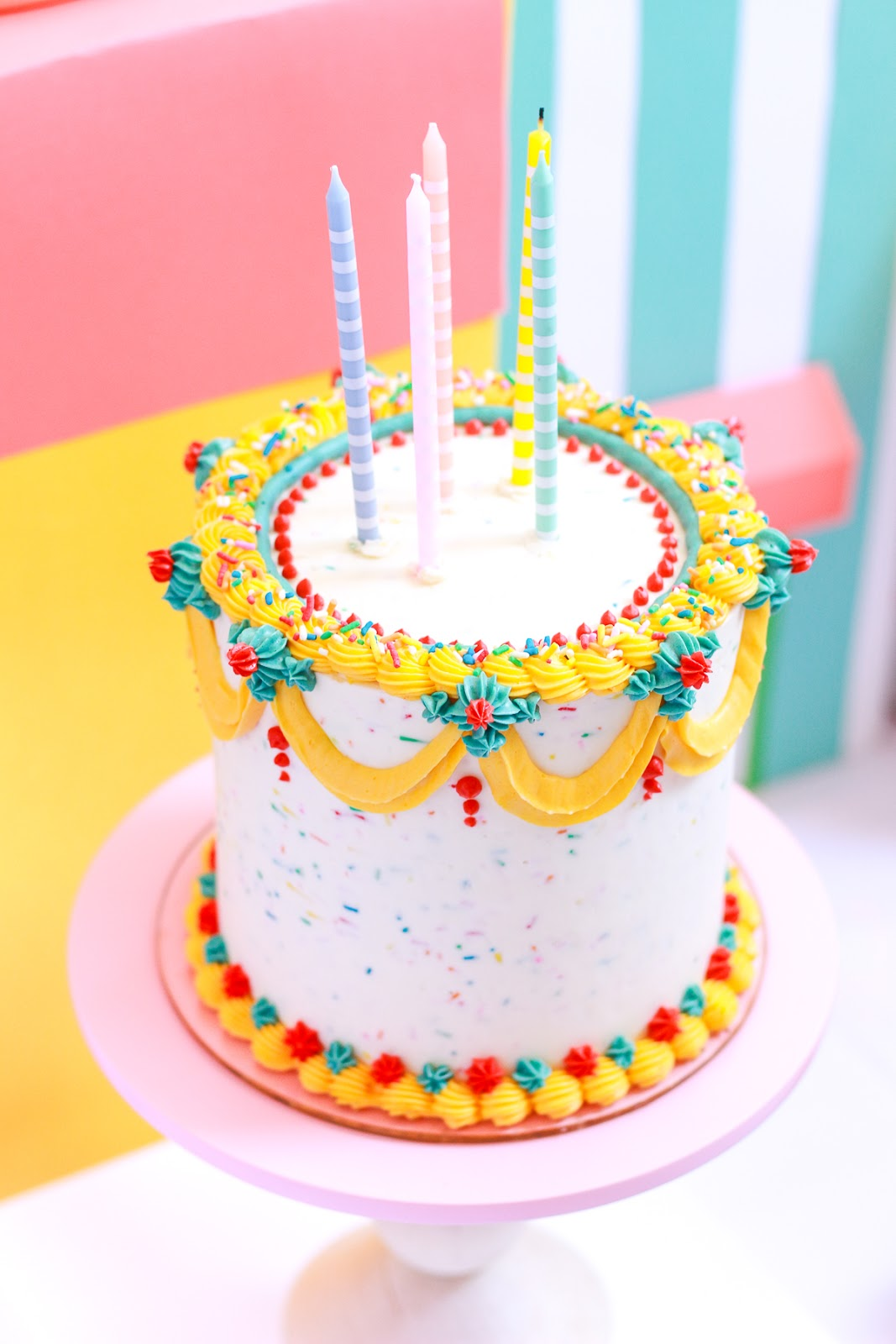 BOLO RETRO COLORIDO BUTTERCREAM FESTA INFANTIL THAIS TERRA BLOG DO MATH