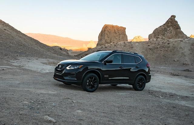 2017 Nissan Rogue black