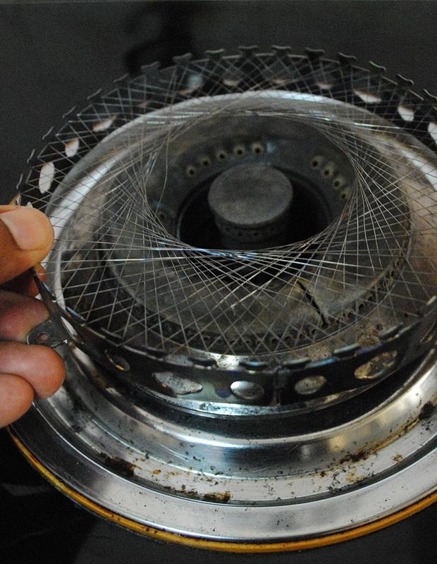 Letn Tungku Dawai Itu Atas Dapur Macam Dalam Gambar Tidak Perlu Maskan Dengan Skru Tapi Ini Boleh Diubah Suai Ketinggiannya Mengikut
