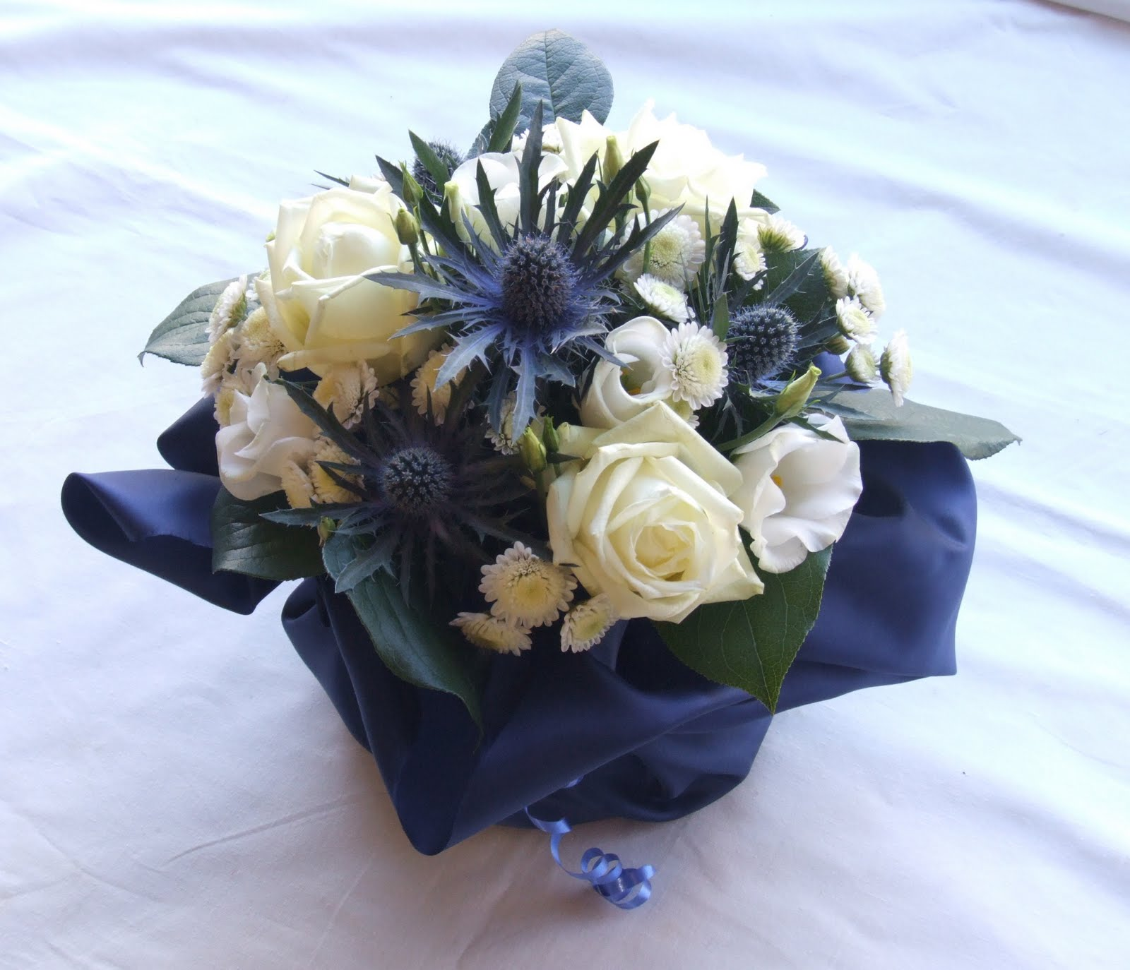 RJ's Florist: Ivory And Navy Blue Wedding Flowers