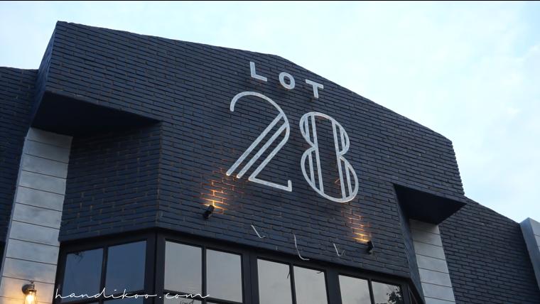 Menikmati Rasa dan Cerita di LOT 28 Semarang