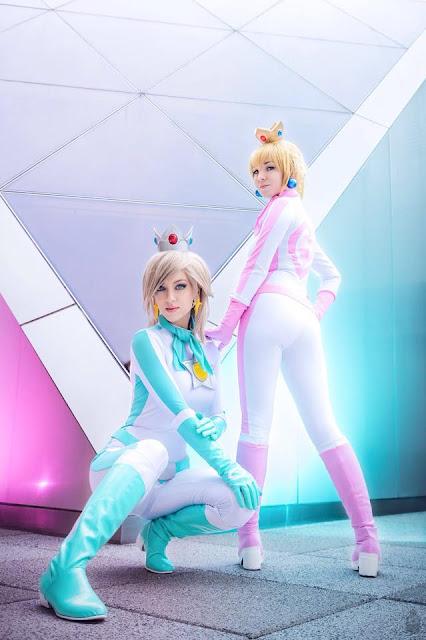 Princess peach mario kart cosplay