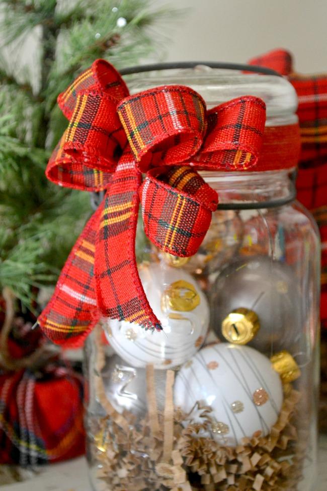 Festive Plaid hostess gifts in vintage mason jars www.homeroad.net