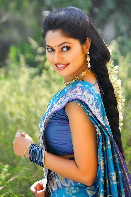 Cute South Indian Actress Suhashini In Blue Saree Latest -4144