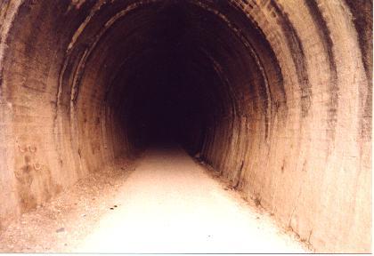 http://3.bp.blogspot.com/-iFPdenWb4xY/TuQxh3xdpgI/AAAAAAAAAAM/RxpeLJgffQc/s1600/tunel.jpg