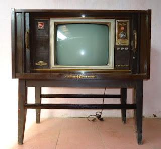 Hasil gambar untuk gambar tv hitam putih jadul