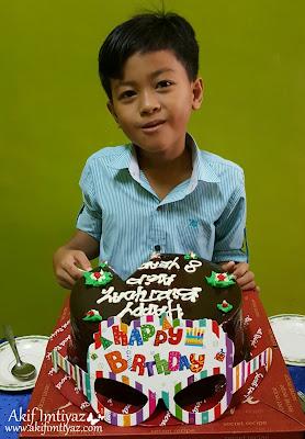 Hari Lahir Akif , Sambutan Hari Lahir Anak Lelaki , Kek Birthday Sedap , Chocolate Banana Secret Recipe , Dia Suka Kek , Kek Sedap Dan Lazat , Ucapan Hari Lahir , Selamat Hari Lahir , Happy Birthday , Sanah Helwah , Selamat Hari Jadi , Hadiah Hari Lahir