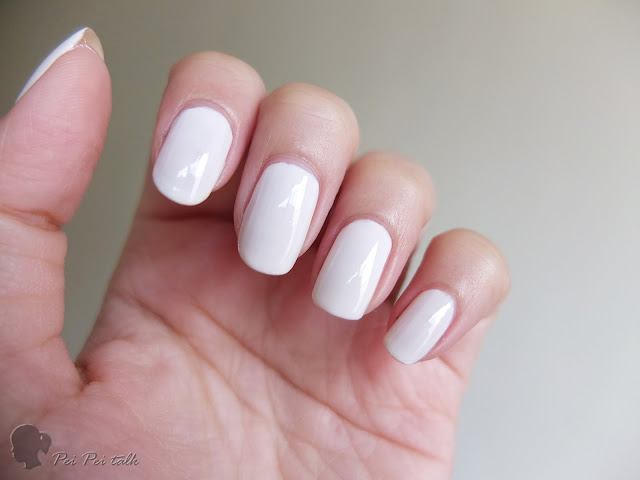 essie-gel couture-show jitters-試色